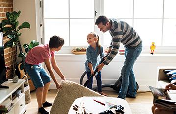 מי מנקה את הבית